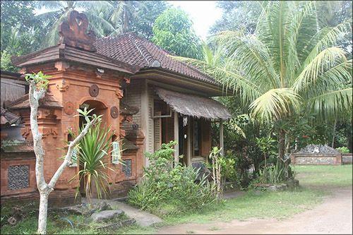 Когда стоит отправиться на экскурсию в деревню Тенганан?