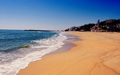 Золотые пески: активно-лечебные пансионаты на морском побережье