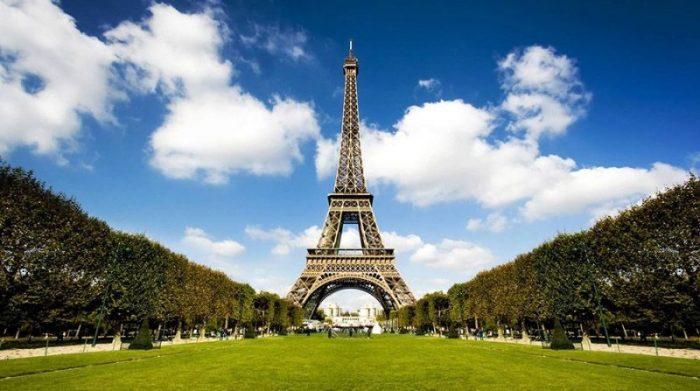 Забастовка персонала Эйфелевой башни – достопримечательность закрыта для посещения