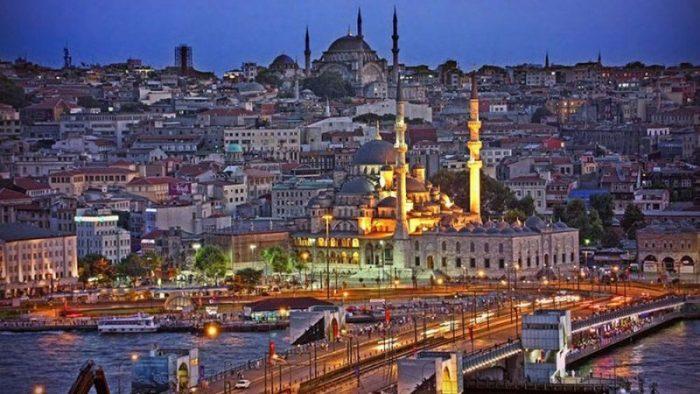 Не выходить из отелей и радоваться отдыху - отказов от туров в Турции не наблюдается