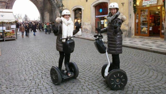 Новшества и правила - в центре Праги запрещается кататься на сегвеях