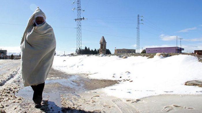 Аномально интенсивные снегопады наблюдаются в Тунисе