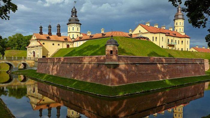 Беларусь отменила визовый режим для 80 стран мира