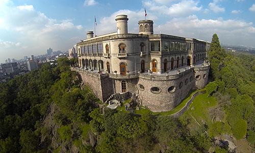 Чапультепек - прекрасный замок в Мексике