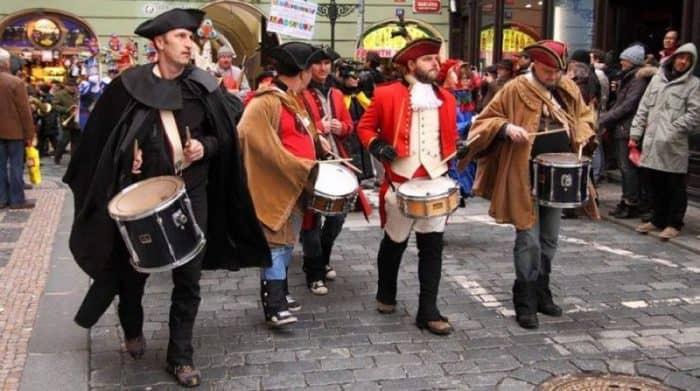 Чехия первого марта отпразднует масленицу или чешский карнавал