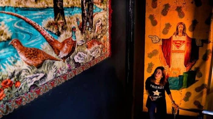 Столица Румынии обзавелась Музеем китча с экспрессивной коллекцией