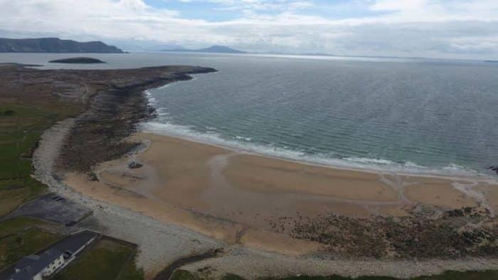 На острове Акилл появился «утерянный» 30 лет назад песчаный пляж