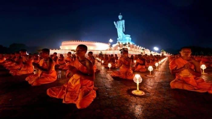 Посвящение в буддистские монахи состоится 2 мая в Таиланде