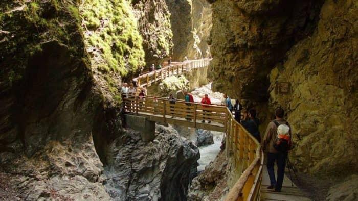 В ущелье между Лихтенштейном и Австрией произошел камнепад