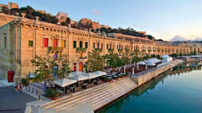 Количество туристов и прибыль отелей на Мальте продолжает расти