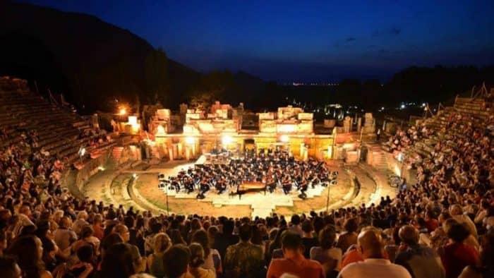 Лето в Измире началось с Международного фестиваля искусств