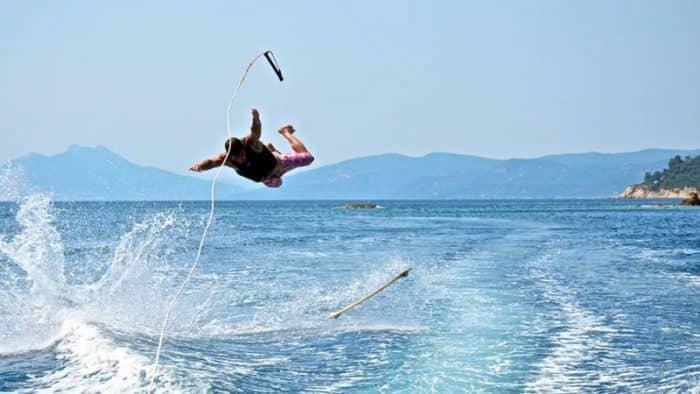 Водный спорт Греции - обезопасить досуг с мобильным софтом