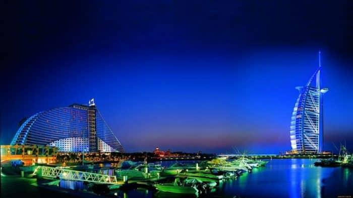 В Арабских Эмиратах создан еще одни ночной пляж для купания в Дубае