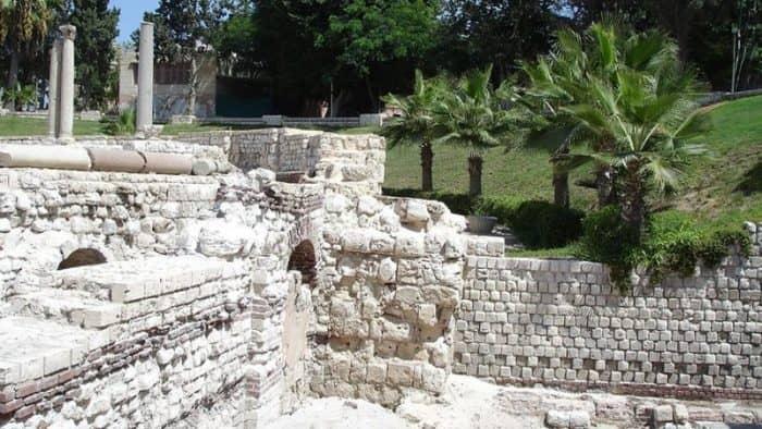 Греческие археологи проведут раскопку древнего моста в Александрии