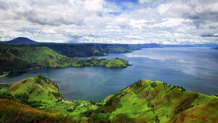 Министр туризма Индонезии требует дополнительных вложений в озеро Тоба