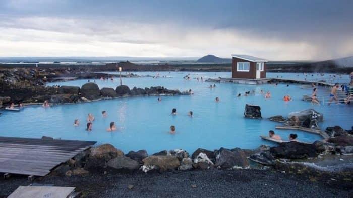 Новый отель открывается на озере Миватн в Северной Исландии