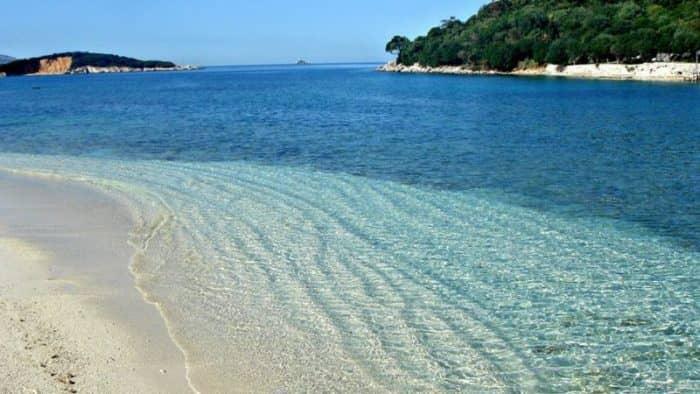 Власти Албании создали целевую группу для мониторинга состояния пляжей