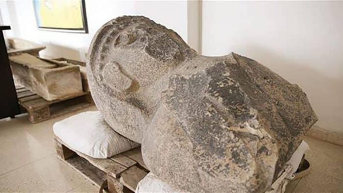 3 000-летняя статуя женщины найдена в Хатае, Турция