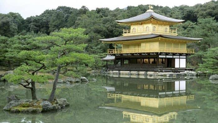 Европейские туристы больше тратят в Японии, чем китайские