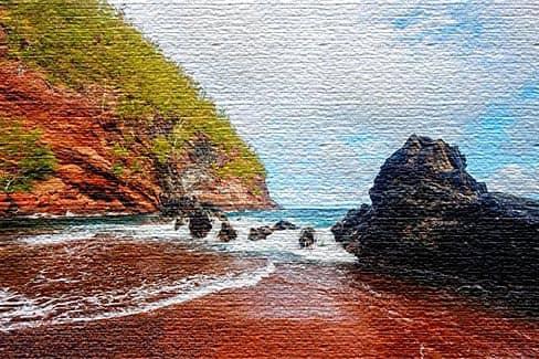 Пляж Кайхалулу с красным песком - Хана, Гавайи