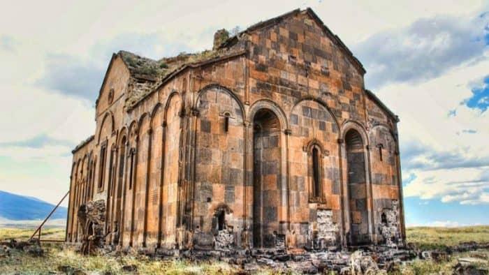 Посещение древнего Ани в Армении увеличился вдвое благодаря ЮНЕСКО