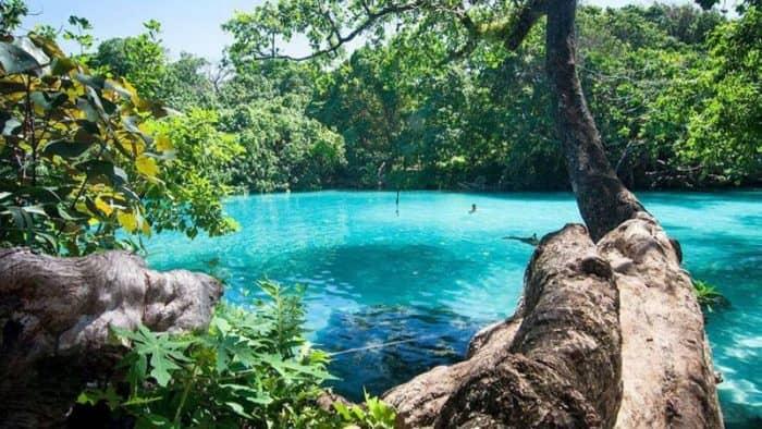 Ямайка бросает вызов Барбадосу за благосклонность британских туристов