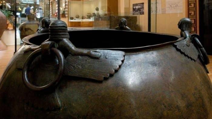 Национальный музей в Тегеране продемонстрирует реликвии из Армении