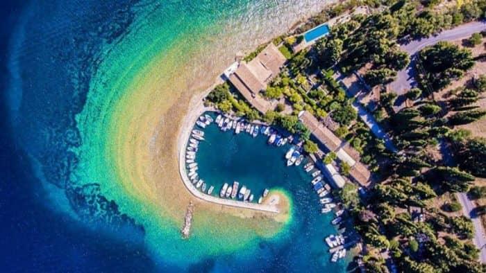 Более 40 греческих островов продаются за бесценок из-за налогового бремени