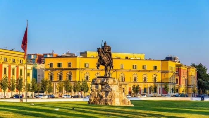 Власти Албании усилят развитие гостиничной инфраструктуры