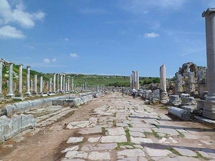 Греческие руины Перге (фото)