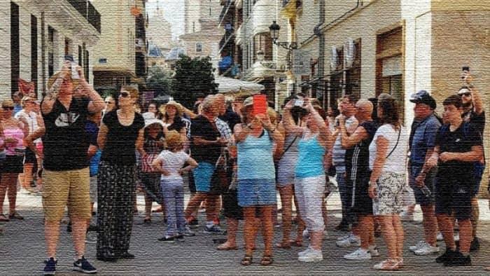 Валенсия присоединяется к борьбе с массовым туризмом в Испании (фото)