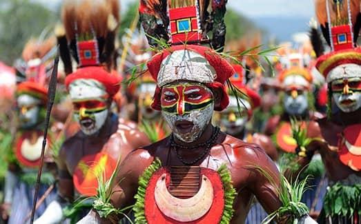 Папуа-Новая Гвинея - изолированная страна в горном регионе (фото)