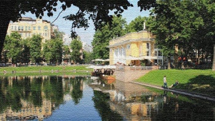 Патриаршие пруды - зеленая и уютная достопримечательность Москвы (фото)