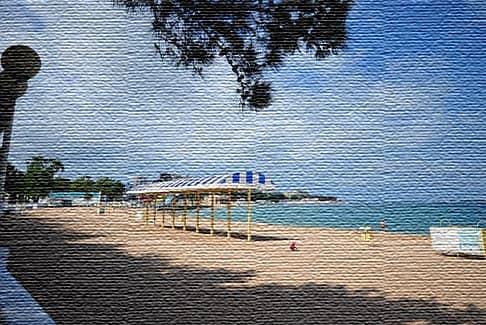Пляжная зона - главная достопримечательность Геленджика (фото)