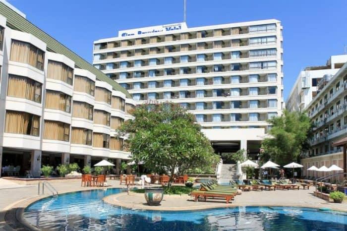Отель Bayview