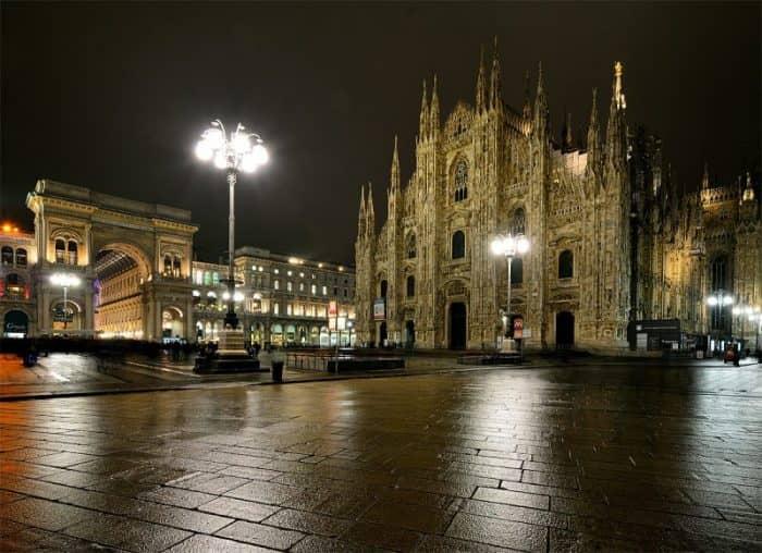 Милан ночь