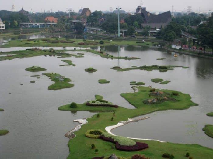 Парк «Мини-Индонезия»