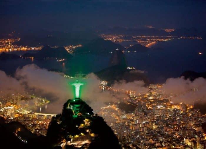 Рио ночью