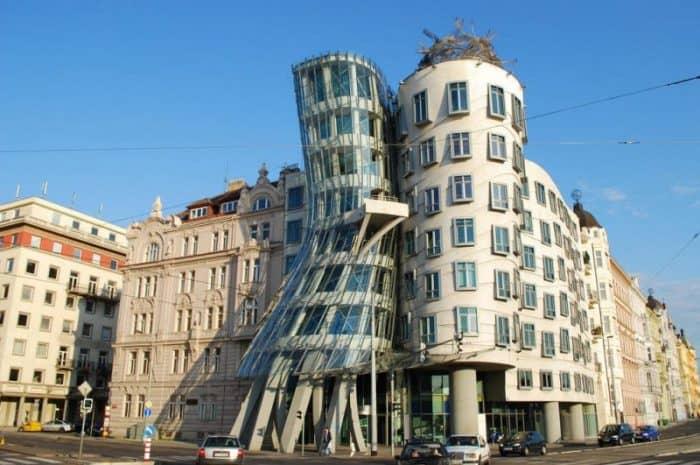 Танцующий дом Прага