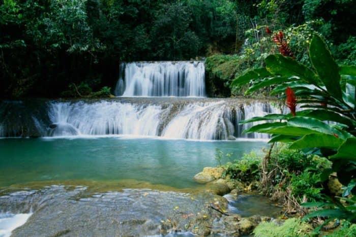 Водопад YS Falls