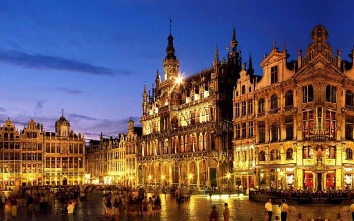 Брюссель ночью