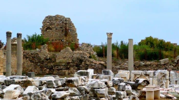 древняя рыночная площадь Агора