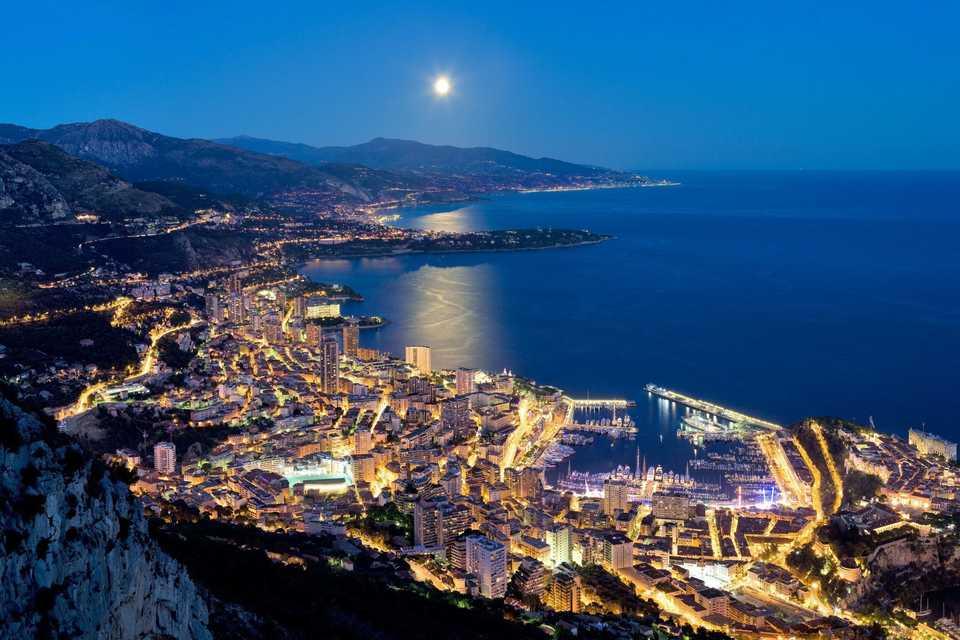 Монте-Карло ночью