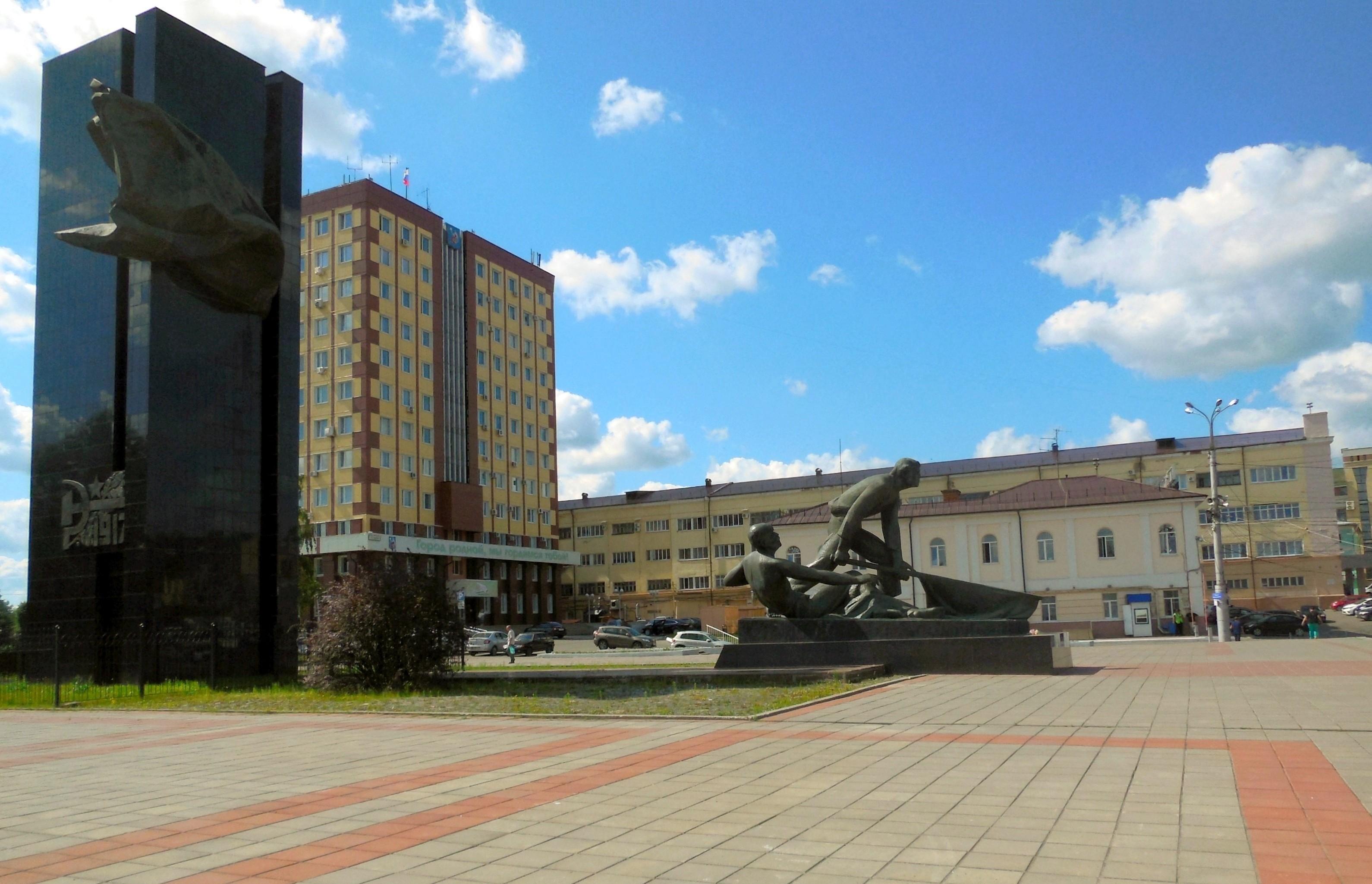Площадь_Революции_(Иваново)_2016