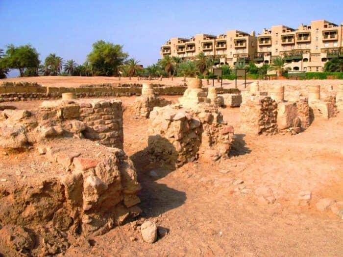 Руины древнего города Айла
