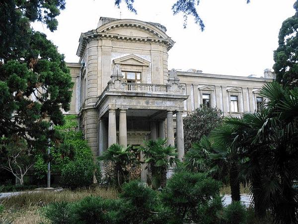 замок графа Николая Семеновича Мордвинова